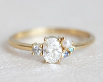 Oval Diamond Ring, Yellow Gold Diamond Ring, Diamond Cluster Ring, Cluster Engagement Ring, Bridal Ring, Pearl diamond ring, Delicate Ring