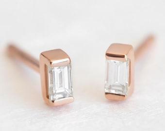 Diamond Earrings, Diamond Stud Earrings, Simple Diamond Earrings, Gold Diamond Studs, Baguette Diamond Earrings, Baguette Studs, MinimalVS