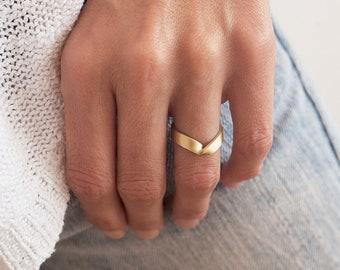 Wide Gold Ring, Unisex Wedding Band, V shaped Wedding Ring, Twisted V Band