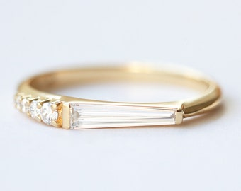 Unique Tapered baguette diamond ring, 18k yellow gold baguette diamond engagement ring, Long baguette diamond ring