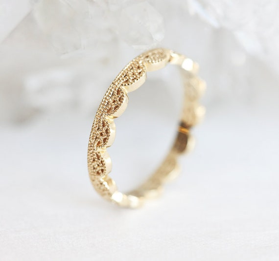 Floral wedding ring Dainty wedding band Gold lace ring Dainty gold ring Dainty filigree ring
