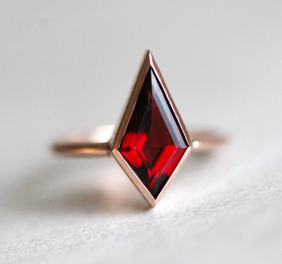 Kite Genuine Garnet Textured Silver Ring January Gemstone Stacking Ring Princess Cut 2x2 mm Red Garnet Dainty Rhombus Setting Promise Ring