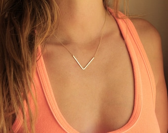 V Necklace, Gold Bar Necklace, Pointed Necklace, Curved Bar Necklace,18k gold Necklace