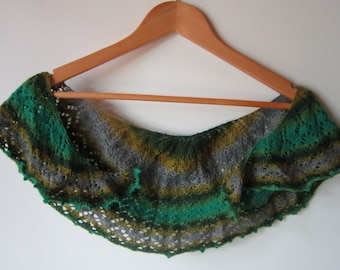 Hand Knitted Shawlette in 100% Extrafine Merino Wool Lace Yarn, Light & Airy Lace Shawl, Special Hand Knit Shawl Knit With Luxury Yarn
