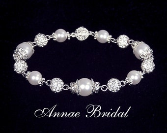 "Bridal pearl, wedding jewelry, White pearl and rhinestone bracelet, Swarovski, silver,  ""Majesty"" bracelet"