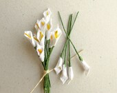 Mini Calla Lilies - 10 white mulberry paper flowers with wire stems - Great for dollhouses, card making, wedding favor & boutonnieres [151]