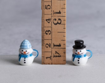 Miniature Snowman Mugs for Dollhouse - 1 pairs of blue snowmen with hats - Scale 1:12
