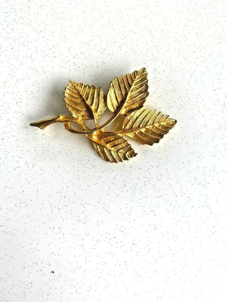 Vintage DFA Leaf gold-tone  Brooch  Pin