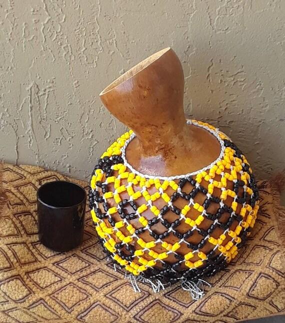 Şèkèrè (medium Yoruba-style netted gourd rattle)