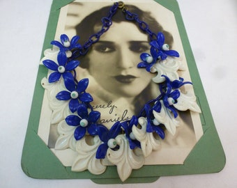 FLEUR DE LIS  Vintage Early Plastic Flowers  Blue and White Choker Necklace