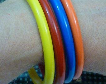 VINTAGE EARLY PLASTIC Bakelite Era Primary Colors Bracelet Set of 4