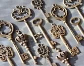 18 Vintage style Skeleton Key Collection antiqued bronze Alice in Wonderland party wedding decorations