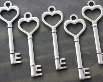 30 Heart Skeleton Keys Double sided Antique Silver