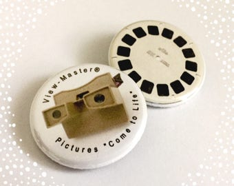 View-Master and Reel Set of 2 Button Badges 1.25 inch Flair Viewmaster