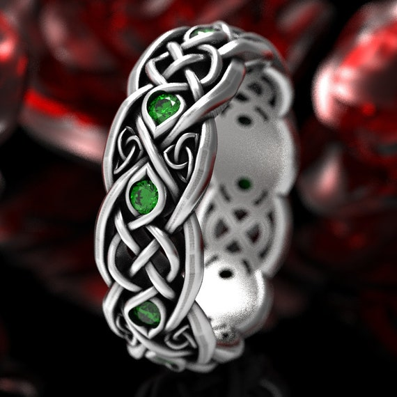 Silver Infinity Ring, Sterling Celtic Ring, Emerald Celtic Ring, Emerald Infinity Ring, Celtic Wedding Band, Infinity Wedding Ring, 1052