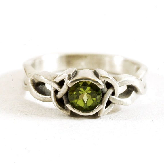 Celtic Peridot Ring With Trinity Knot Design in 10K 14K 18K Gold, Palladium or Platinum Made in Your Size CR-405b