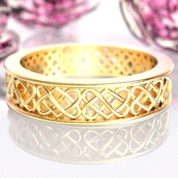 Gold Celtic Wedding Ring With Heart Knotwork Design in 10K 14K 18K or Platinum, Made in Your Size Cr-1034