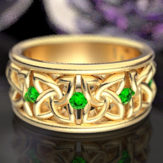 Celtic Wedding Ring with Emerald Stones in 4 Petal Flower Dara Knot Design Made in 10K 14K 18K Gold or Palladium, Made in Your Size cr-1010