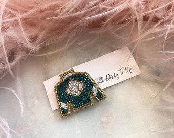 Derby Jewelry - Lapel Pin Keeneland Jockey Silk