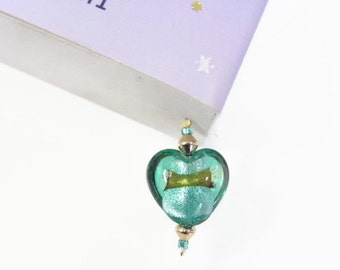 Green Heart with Gold Fleck Glass Beaded Bookmark, The Bookworms Littlegem is a perfect jewelry accessory for your book, Pretty Gift Idea.