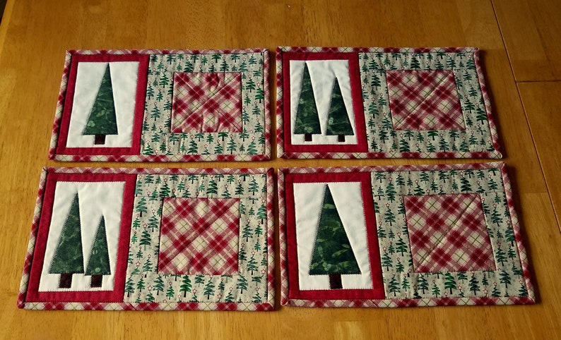 Christmas mug rug applique tree snack mat quilted mug rug holiday candle mat handmade unique mug rugs choice of one red green 12x7