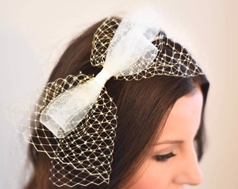 Fascinator Headband Kentucky Derby Hat Hat Small Hat Bridesmaids Derby Party Luncheon Wedding Hair Prom Hair Pink Red Ivory White Black