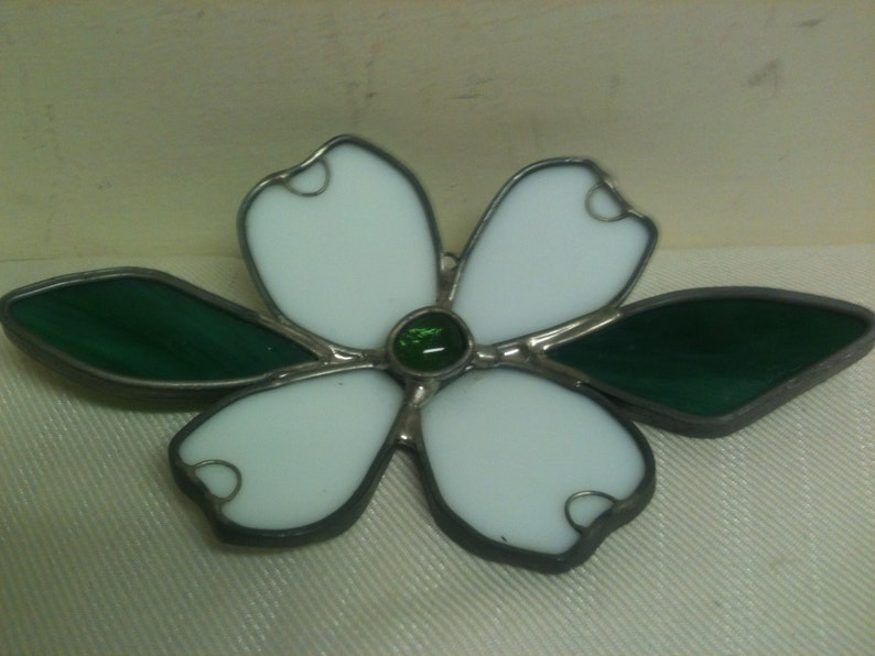 2 Styles Available Green /& White Stained Glass Flower Suncatcher Art Glass