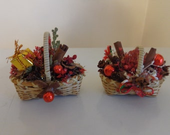 vintage christmas baskets filled with pinecones cinnamon sticks christmas decorations tiny christmas baskets christmas ornaments