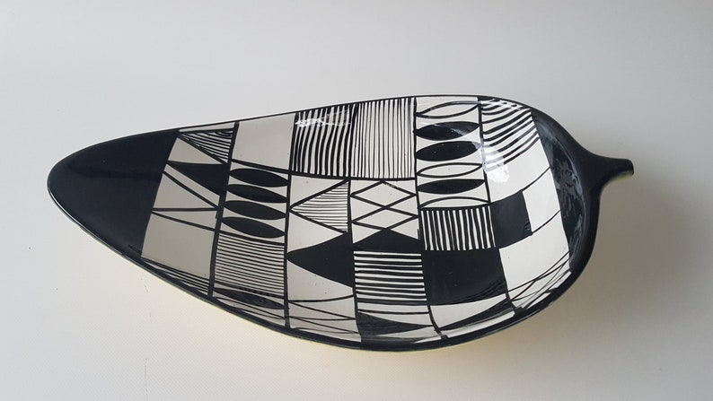 Black and White Bitossi leave shaped bowl image 0