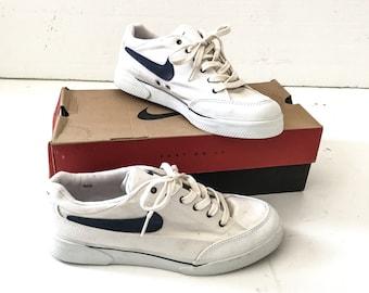 78b0281fad51 Vintage NIKE SHOES Vintage Nike High Tops Vintage Nike SNEAKERS Vintage  Shoes Vintage Sneakers Athletic Shoes Deadstock Vintage Shoes White