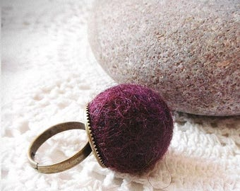Doudouring / / felted wool ring