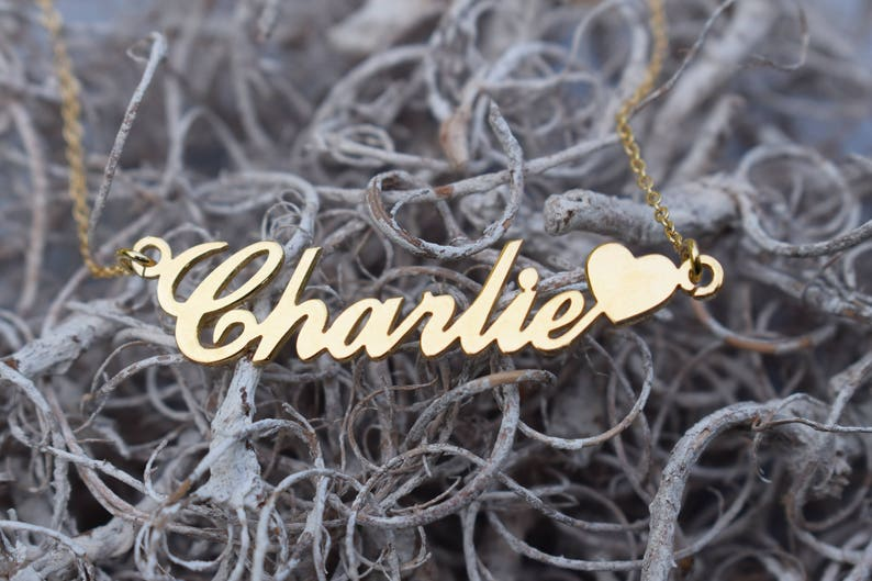8b447fcd6eba0 9ct Gold Plated Carrie Name Necklace with Heart ANY NAME Plate Pendant  (Small) - Custom Name Gift for Girls Women Daughter Her