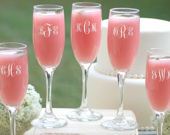 Bridesmaids Gifts, Bridesmaid Champagne Glasses, Personalized Wedding Party Gift, 5 Custom Champagne Glasses, Bridesmaid, Maid of Honor Gift