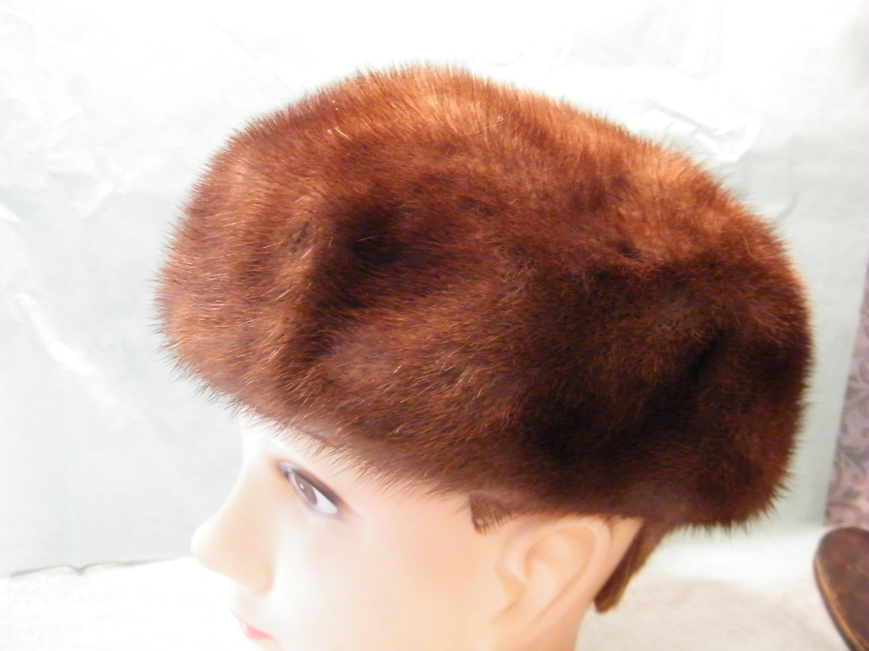 Winter wear Washington Mid Century cloche Vintage Mink Fur Tam Pillbox Hat designed by Lora for Juliius Garfincke and Co