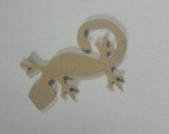 Brown hanging wooden gecko lizard wall plaque with curly tail handmade Indonesia