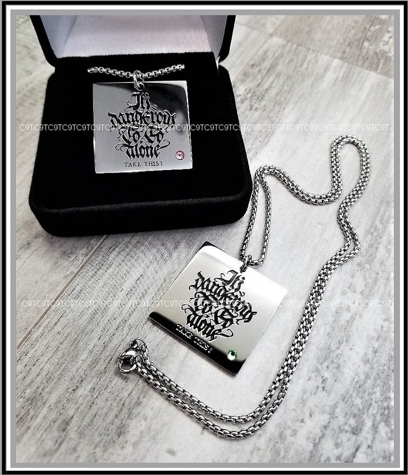 Glass Crystal Legend Of Zelda Inspired High Polish Mirror Finish 316L Stainless Steel Pendant And Stainless Steel Chain