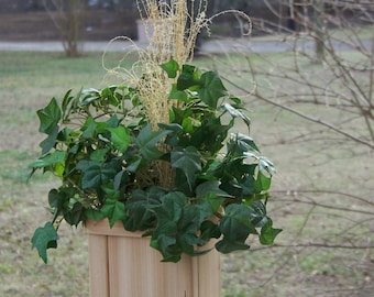 Cedar planter, deck planter, flower pot, indoor, outdoor, patio planter, planter box, nice addition to your home or office, Valentine's Day