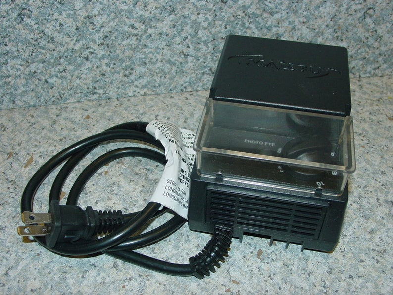 Malibu 3100-1045-01 45 Watts Low Voltage Outdoor Lighting Transformer w/  Photo Eye Power Supply, New