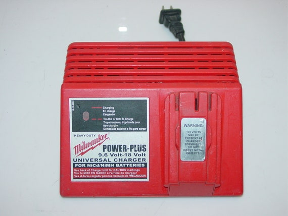 Milwawkee 12 0V to 18 0 Volt NiCd, NiMh Battery Charger 48-59-0245 -Free  Ship-