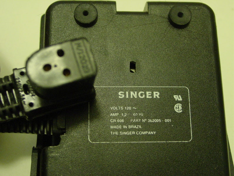 3-Pin Connector Vintage Singer Sewing Machine Foot Speed Motor Controller Pedal CR 606-B PN 362095-001