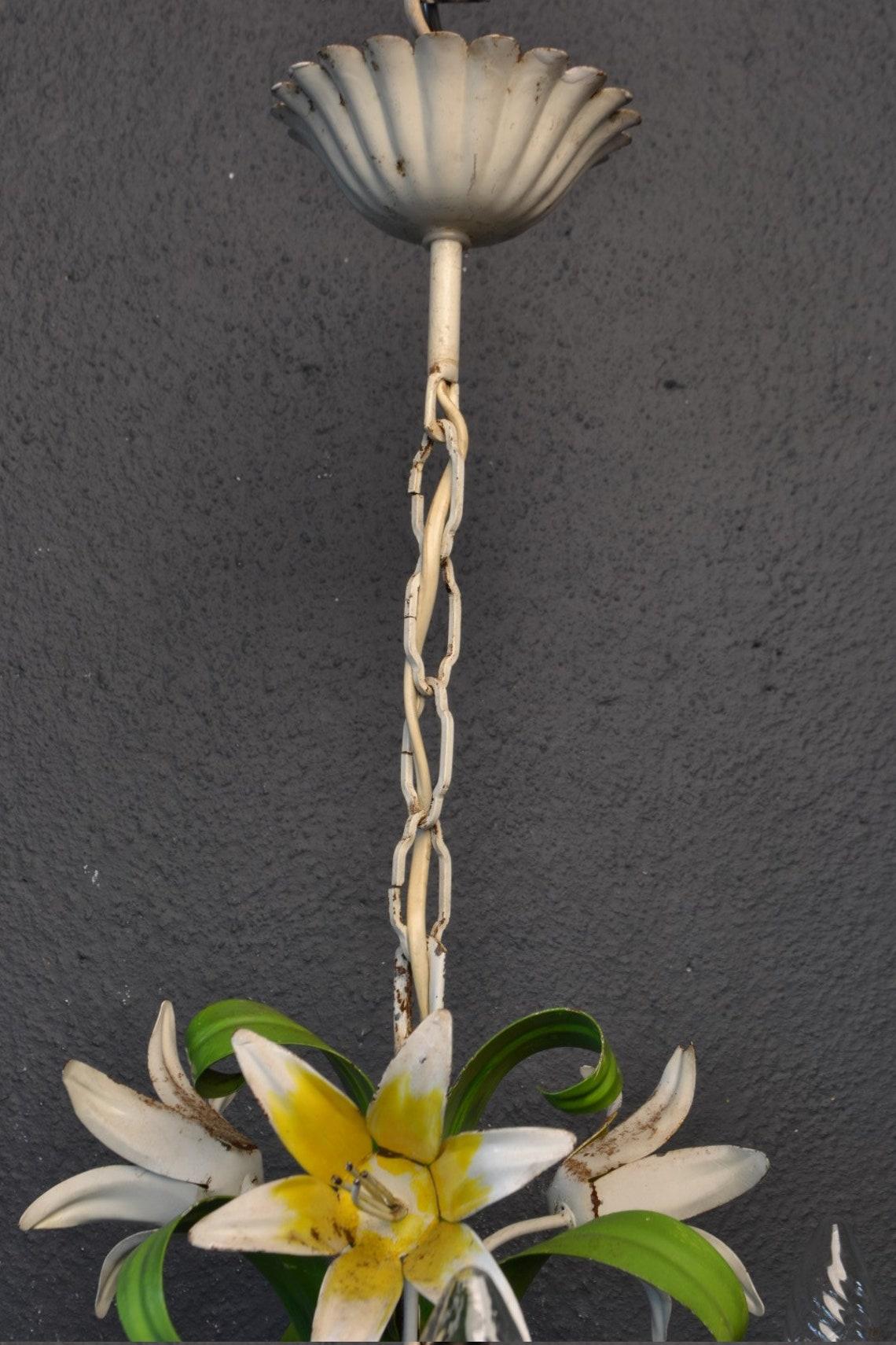 Vintage toleware chandelier - Eclairage