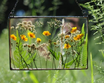 Framed Flowers, Dried Flower Frame, Stained Glass, Floating, Wall Hanging, Window Hangings, Pressed flower Frame, Housewarming Gift