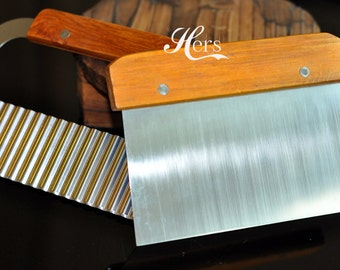 Set of 2 Soap Cutters: Wavy Soap Cutter Straight Soap Cutter
