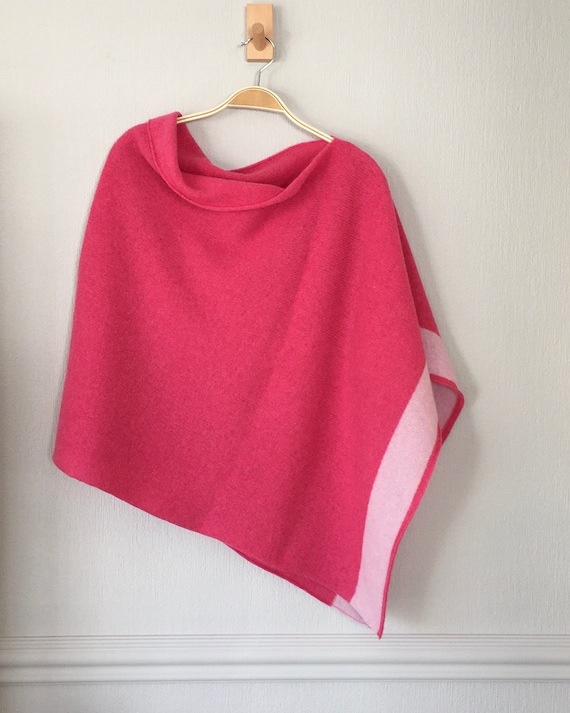 Poncho soft merino lambswool pink with blush pink border