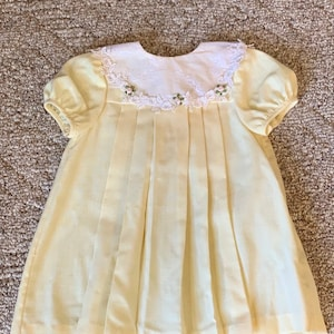 Adorable girls toddler yellow lace with black and white polkadot accents dress by Youngland  size 4T