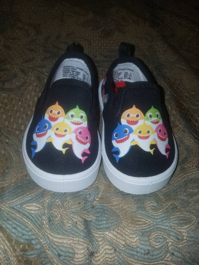 Baby shark shoes image 0