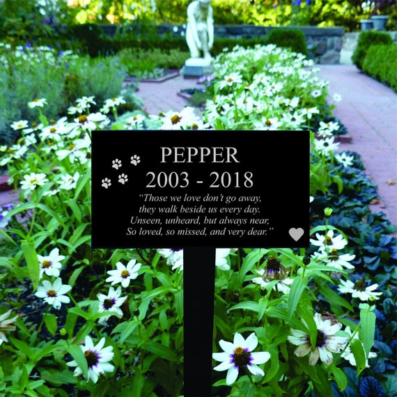 Personalized Dog Grave Marker Pet Memorial Marker Dog Memorial Plaque Pet Gravestone Dog Headstone Dog Garden Sign Dog Grave Marker