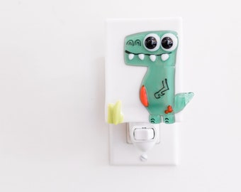 Green dinosaur night light for nursery, fused glass night light baby room decor, shower gift, dinosaur decor
