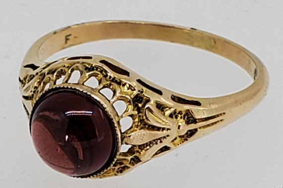 Victorian Garnet Ring -  Yellow Gold Filigree
