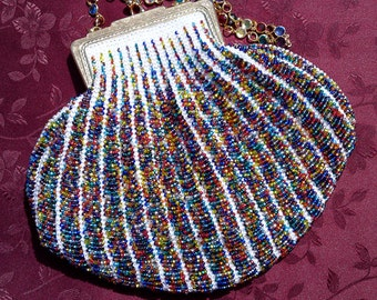 Jewels-on-White Bead-Knitted Handbag
